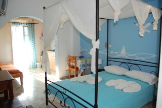 accommodation aegeon pension bedrooms