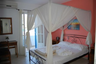 accommodation aegeon pension cycladic room